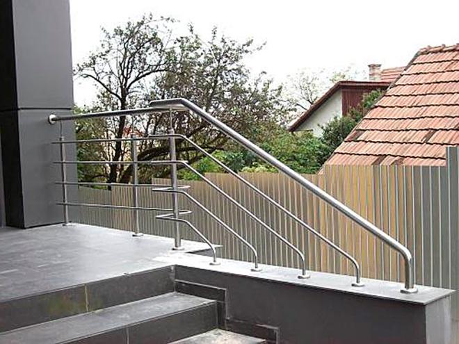 Сборная лестничная ограда из нержавейки