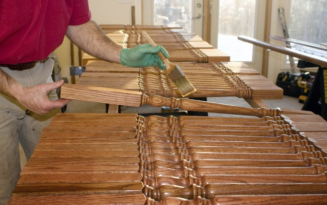 Обработка деревянных перил