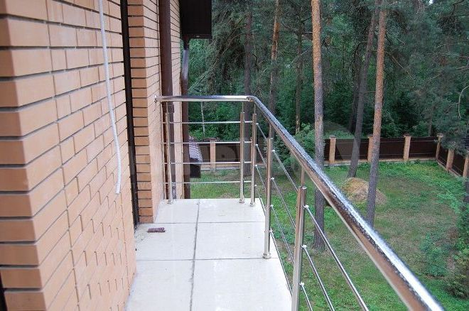 Балконная ограда из нержавейки