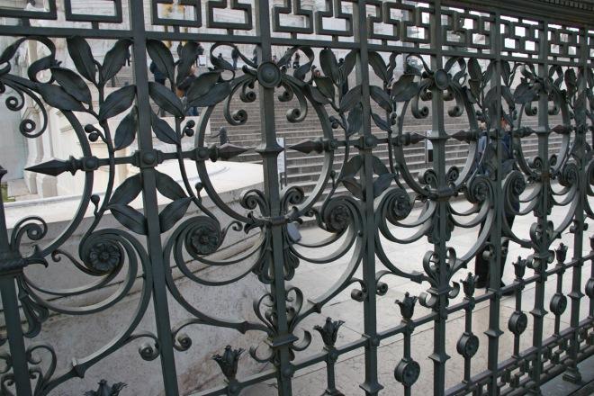 Забор из литья