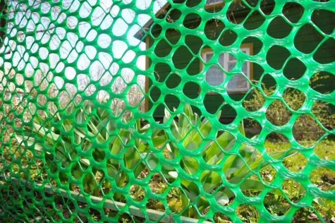 Декоративное ограждение из пластиковой сетки