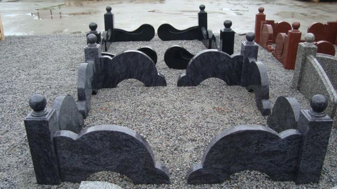 Оградки из гранита