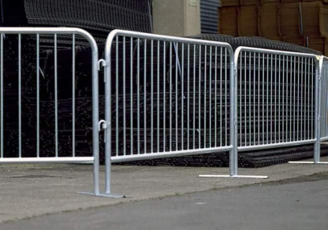 Металлические барьерные ограждения мобильные
