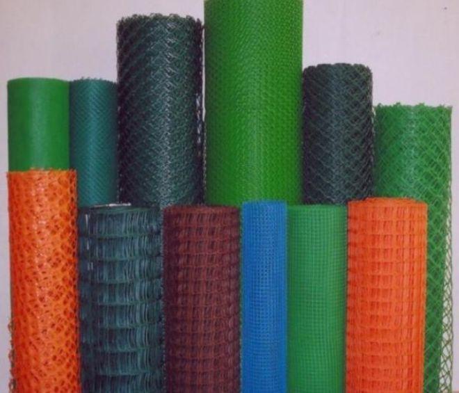 Рулоны пластиковой сетки для забора
