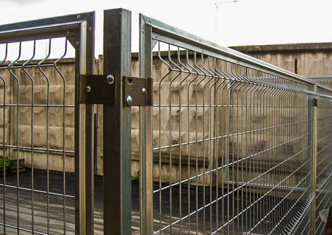 Забор из сварной сетки неоцинкованный