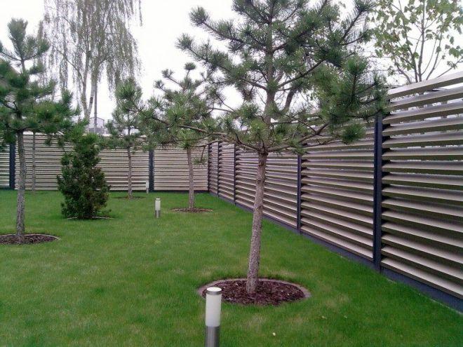 Красивый секционный забор