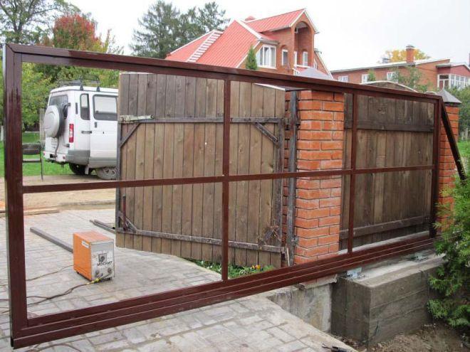 Сооружение несущей рамы для выдвижных ворот