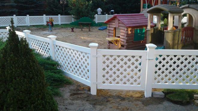 Пластиковое ограждение детских площадок