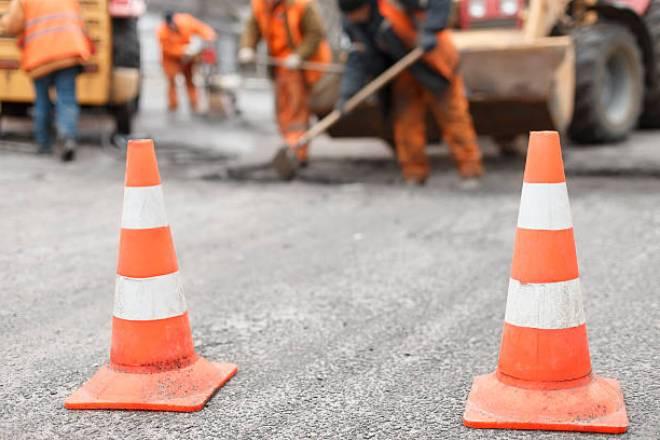Дорожные конусы при дорожных работах