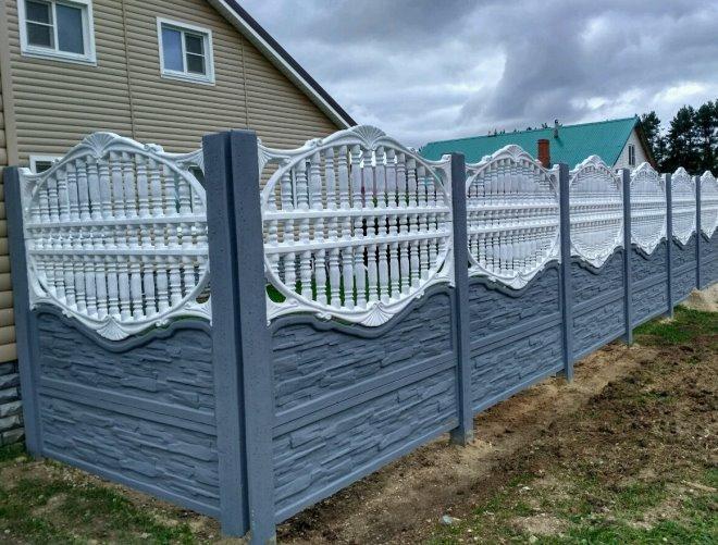 Красивый железобетонный забор