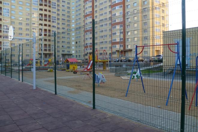 Металлический сетчатый забор