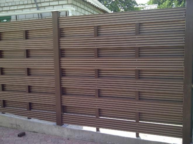 Красивый забор из ДПК
