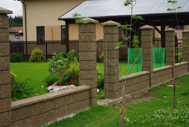 Декорирование бетонных столбов
