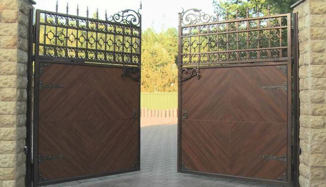 Механические распашные ворота