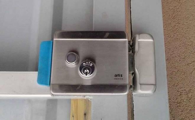 Электромагнитный замок для калитки