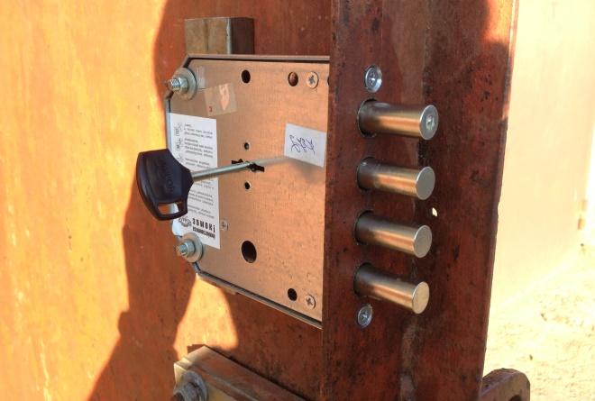 Поменять замок в металлической двери самостоятельно