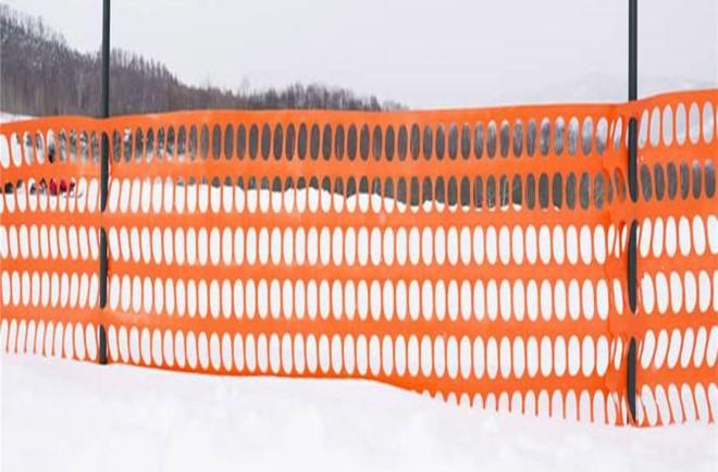 Аварийное ограждение пластиковая оранжевая сетка